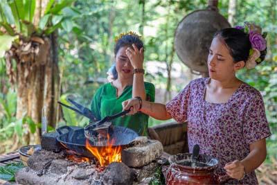 Einheimische im Mari Mari Cultural Village