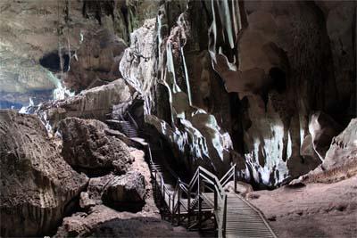 Höhle im Niah Park