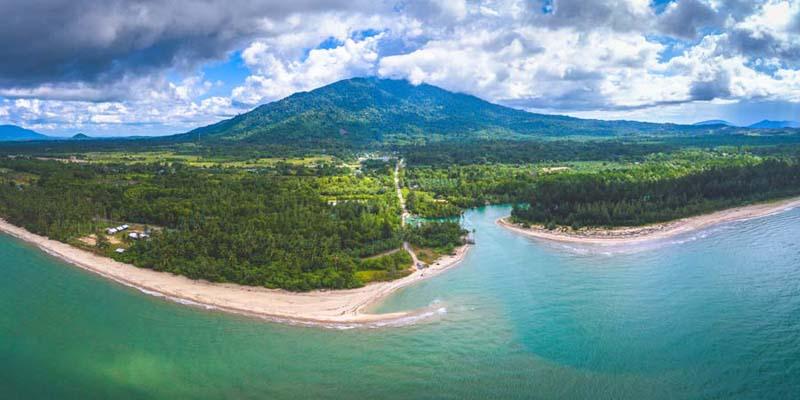 Borneo Beach - Sematan