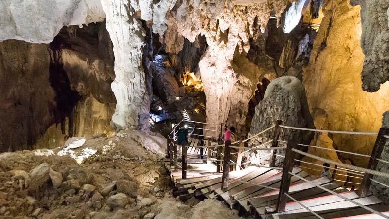 Höhlen im Mulu Nationalpark